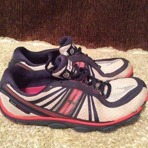 Brooks Pure Connect 3 Women's Running Shoe 9M